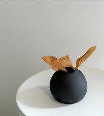 tiny vase #5