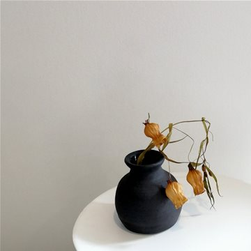 tiny vase #2