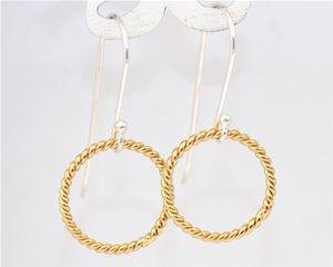 Gold rope circles