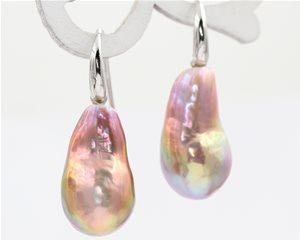 Pear shape drop pearls