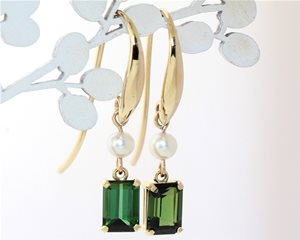 Green tourmaline and pearl