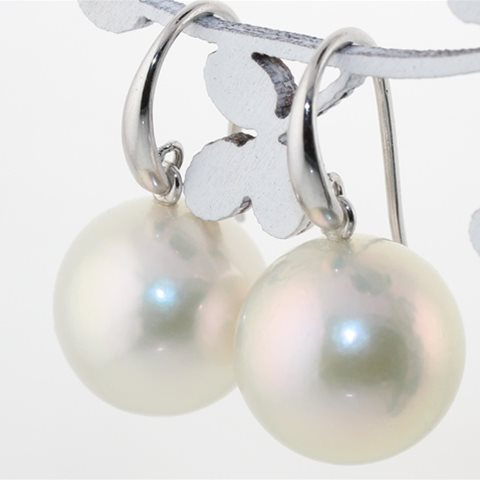 Large round white pearl drops