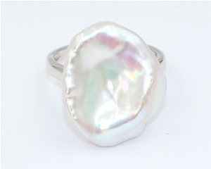Lilly pad pearl ring