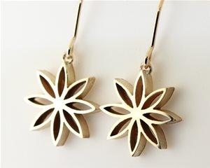 8 petal gold flower