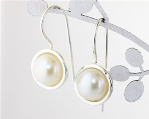 Silver cup pearl hooks