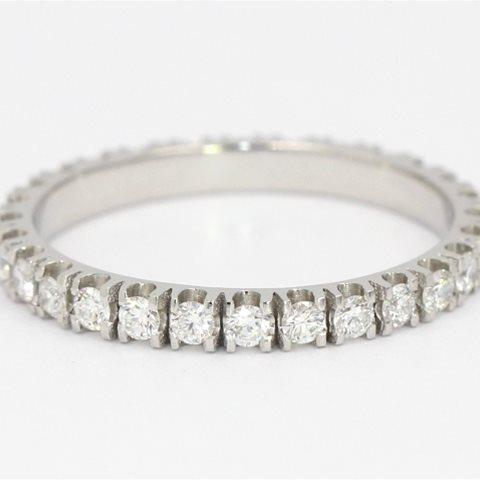 All round diamond band
