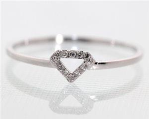 Petite halo diamond