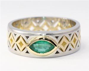 Emerald lattice ring