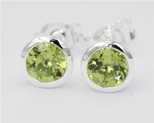 Round peridot in silver