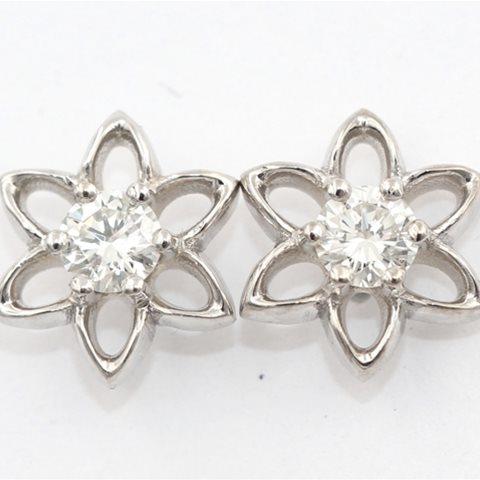 Diamond petal studs